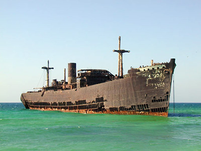 Kish-Island-Greek-ship