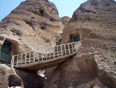 Kandovan-village-Tabriz-travel