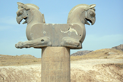 Persepolis-TakhteJamshid-king-tour-in-style